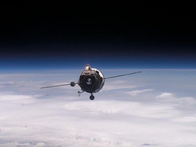 Una nave de aprovisionamiento se acerca a la Estación Espacial
