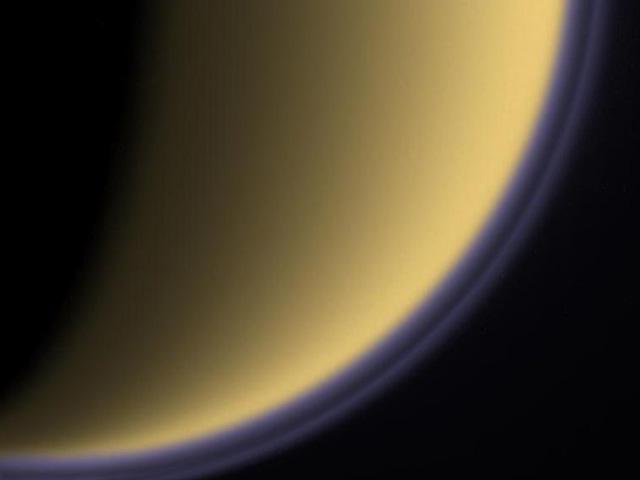 Doble neblina sobre Titán