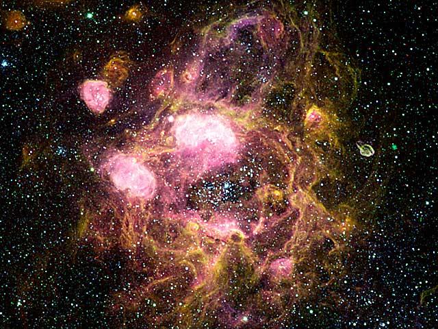 N11 un gigante anillo de nebulosas de emisión