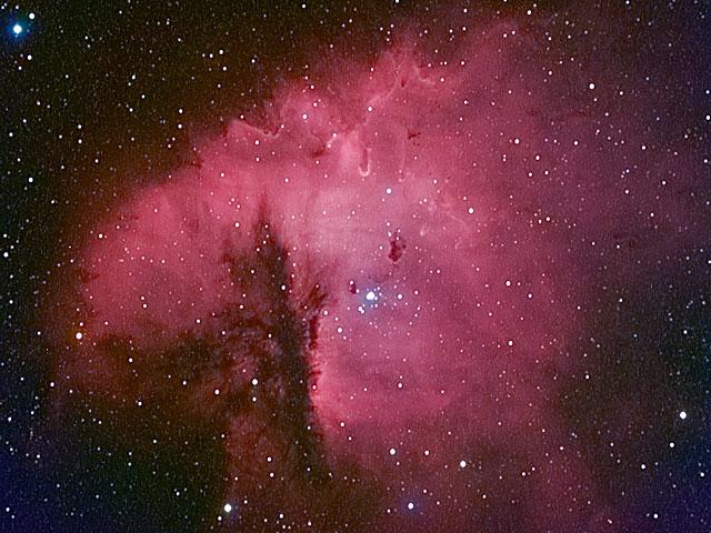 NGC 281: un cúmulo, nubes y glóbulos