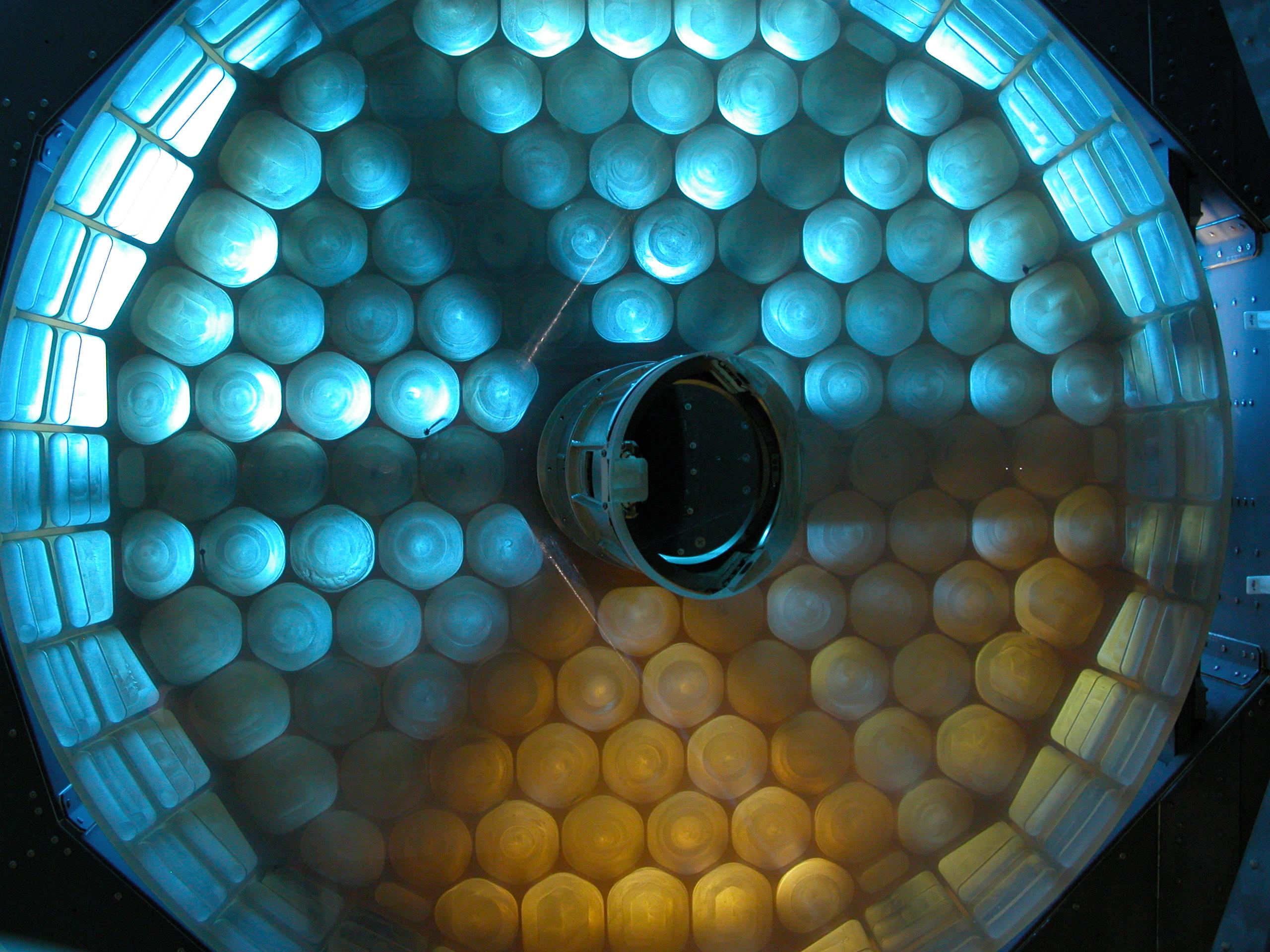 Apod 2004 October 22 Sofia S Mirror
