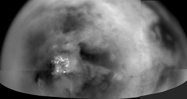 Titán a través de la bruma