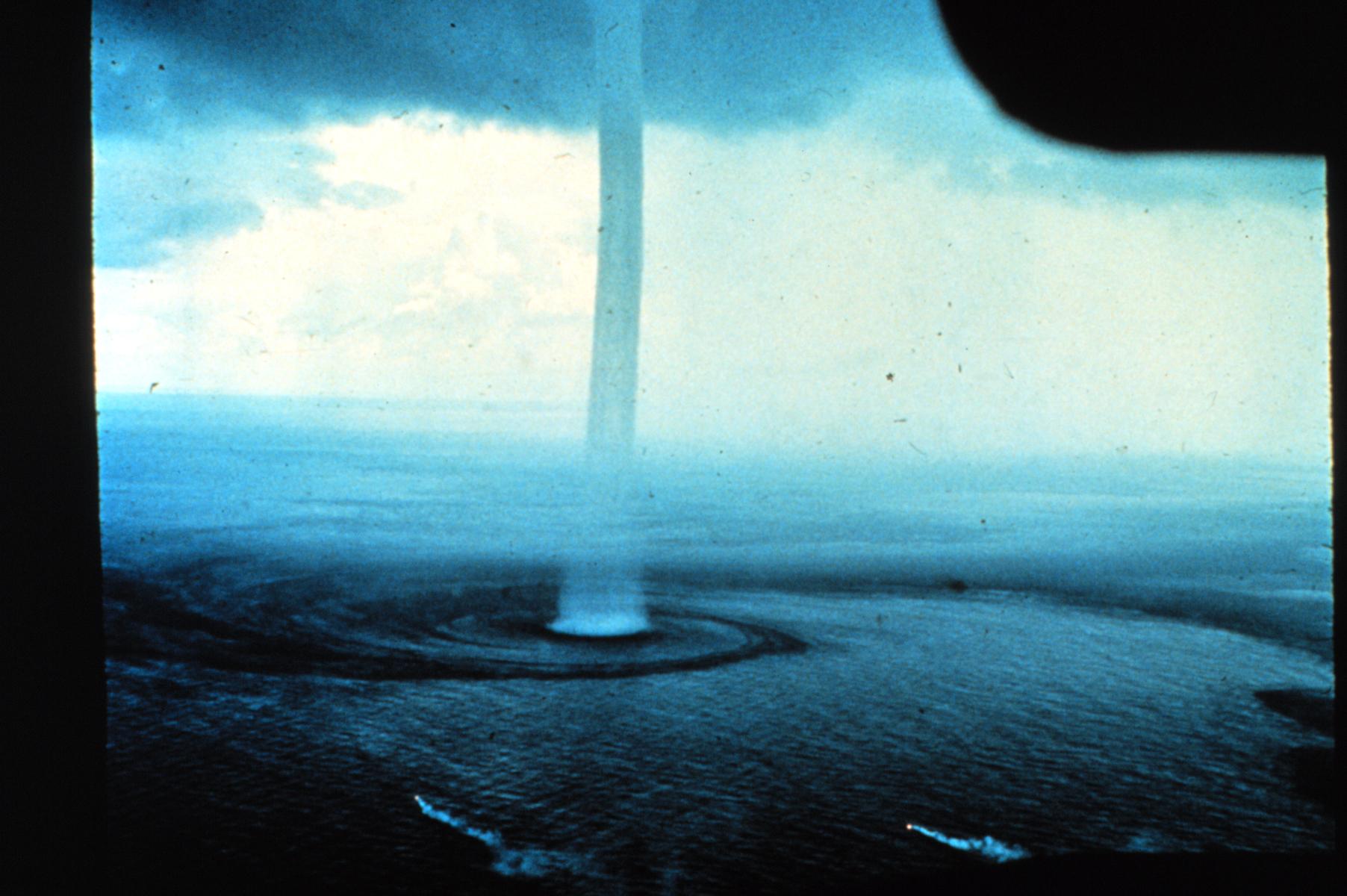 Tornados en el Mar!! Fotos