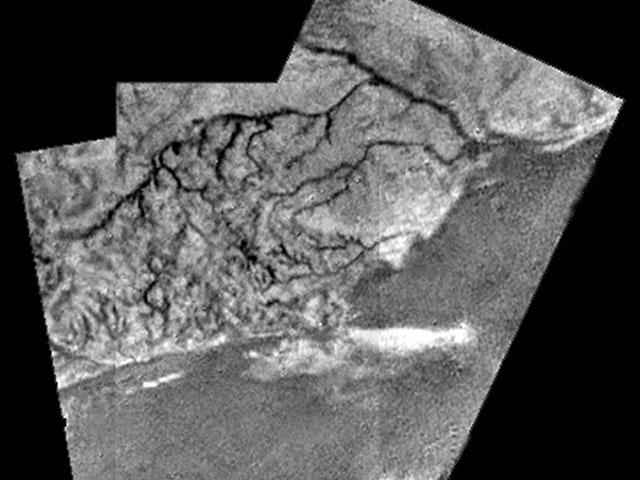 Se descubren lechos de ríos y de lagos en Titán