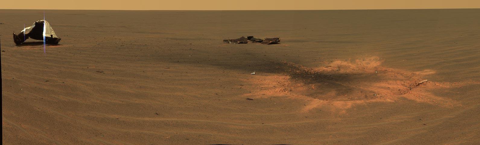 Cráter en Marte debido al impacto del escudo térmico