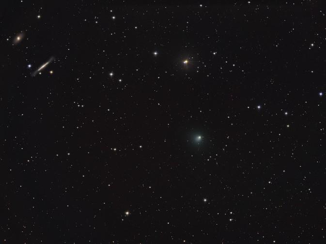 Estrellas, Galaxias, y el Cometa Tempel 1
