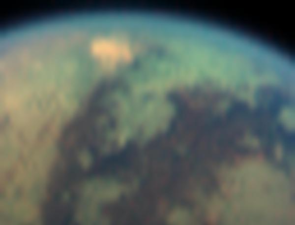 La extraña mancha de Titán