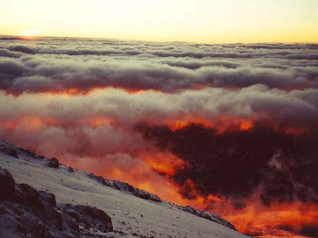 Amanecer desde el Kilimanjaro