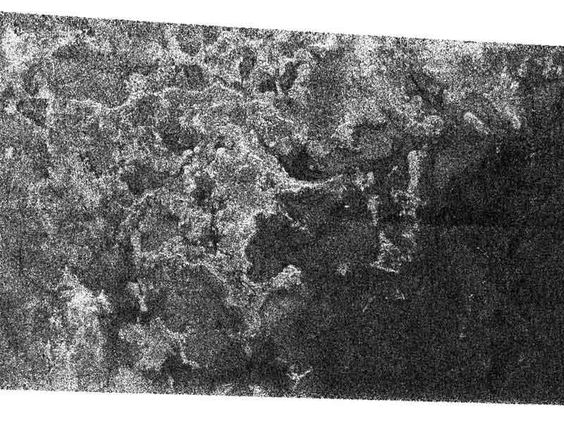 Terreno litoral en Titán, luna de Saturno