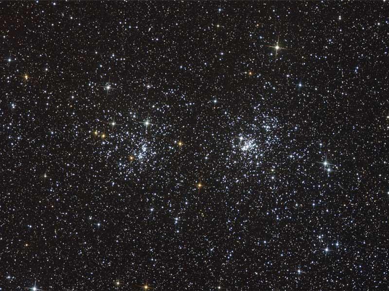 NGC 869 y NGC 884: un cúmulo estelar doble