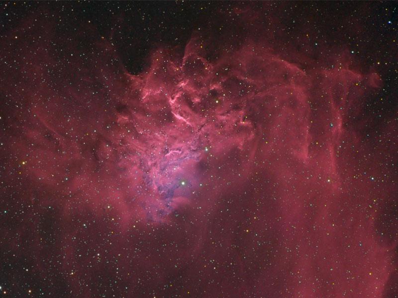 AE Aurigae: La estrella llameante