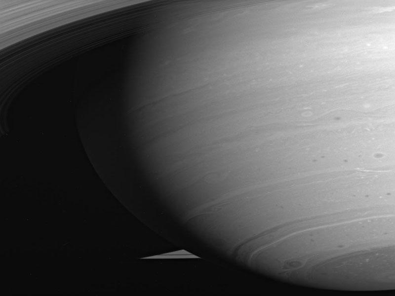 Las tormentas en remolino de Saturno