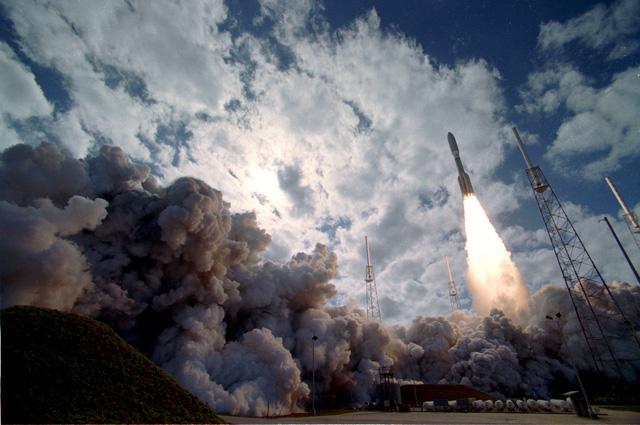 Se lanza la New Horizons hacia Plutón