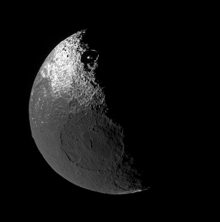 iapetus moon - photo #16