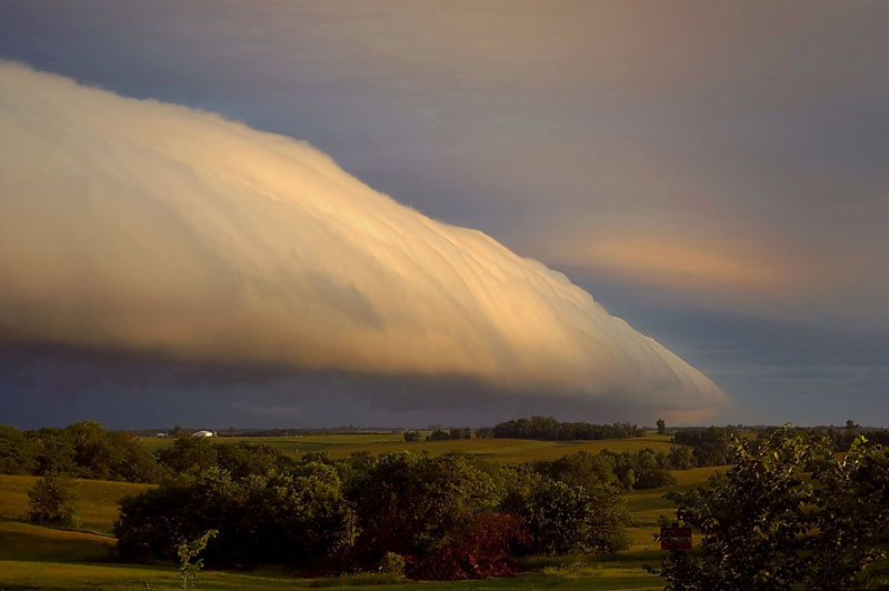 A lo largo de Roll Cloud Missouri