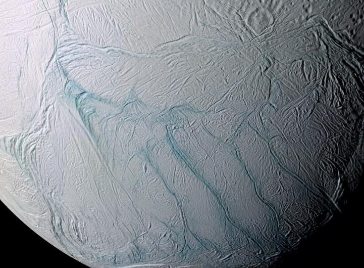Encélado y la búsqueda de agua