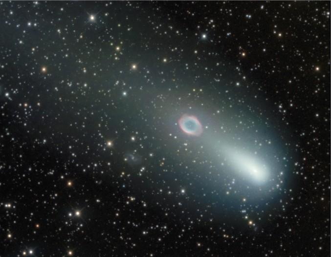 Cometa se encuentra con la nebulosa del Anillo: Segunda parte