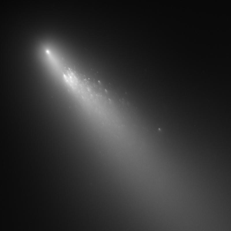 APOD vom 4. Mai 2006: der fragmentierte Kern von 73P/Schwassmann-Wachmann 3, Quelle: NASA/ESA/JHU-APL/STScI
