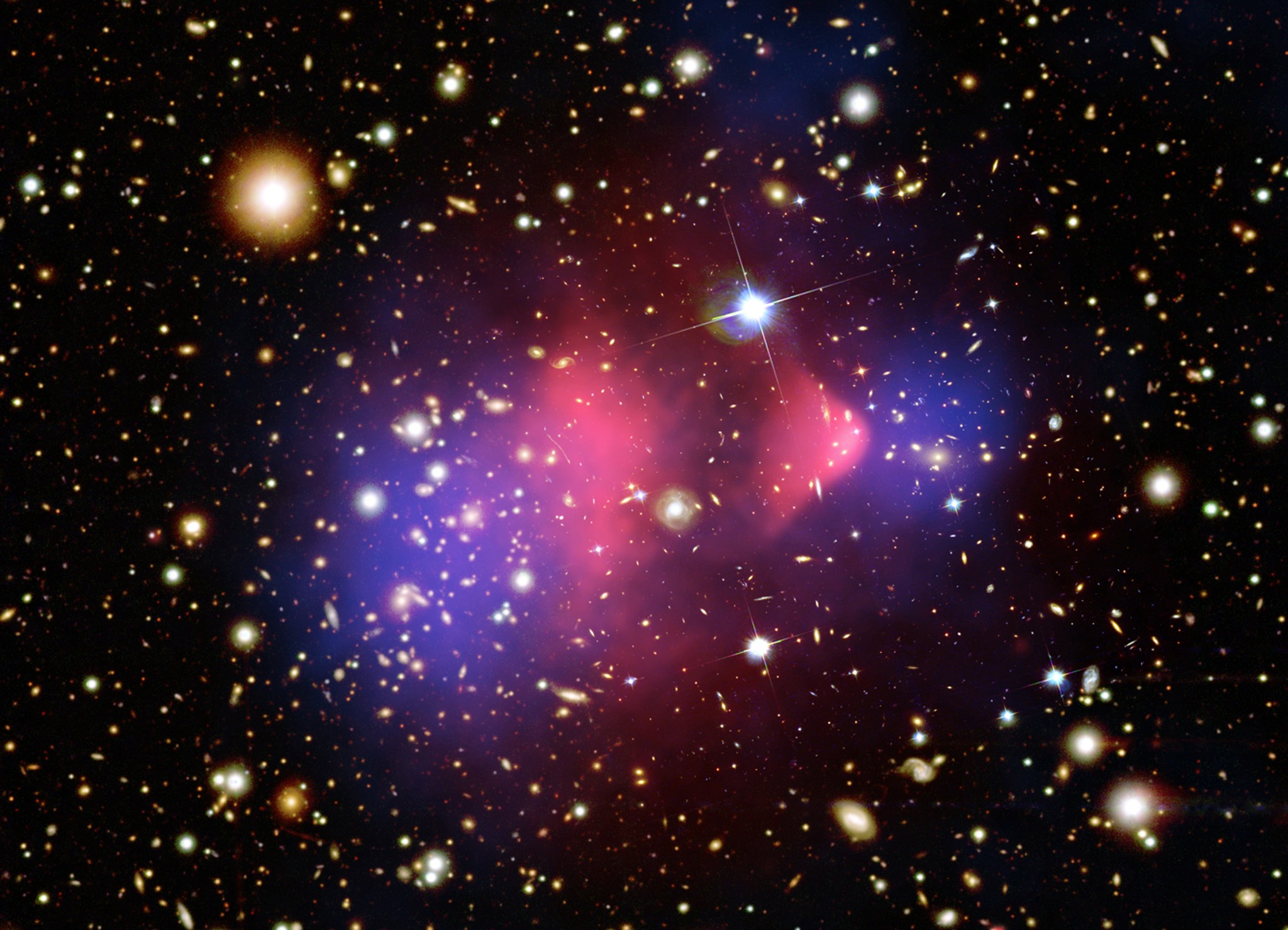 APOD: 2006 August 24 - The Matter of the Bullet Cluster