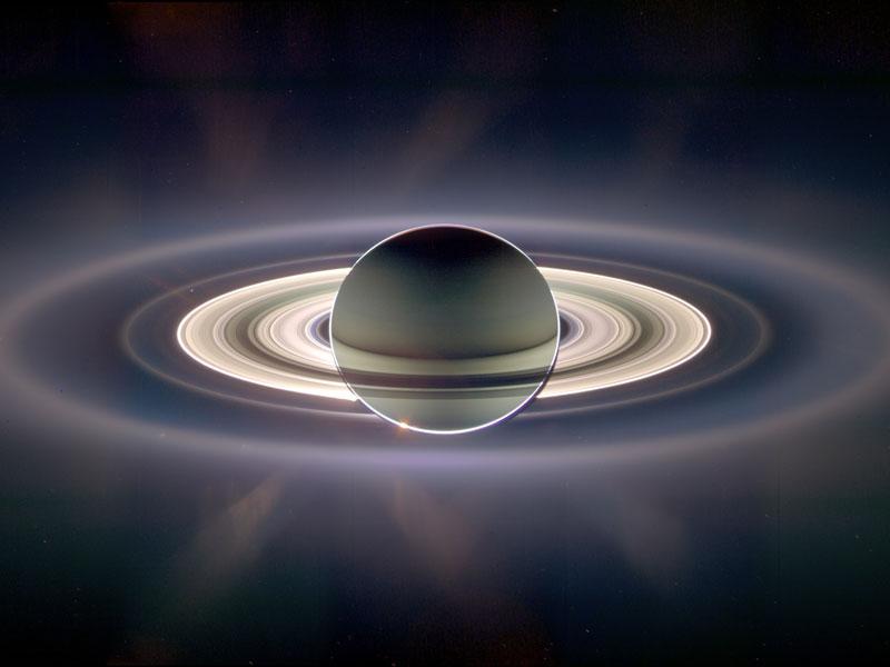 A la sombra de Saturno