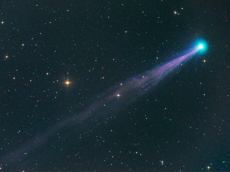 El cometa SWAN se ilumina