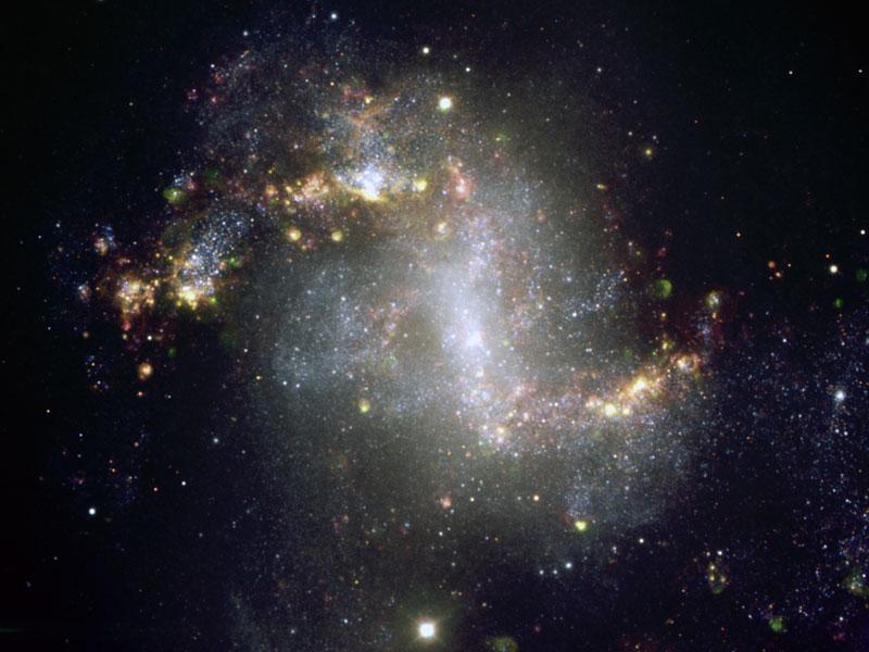 Insólita galaxia en erupción estelar NGC 1313