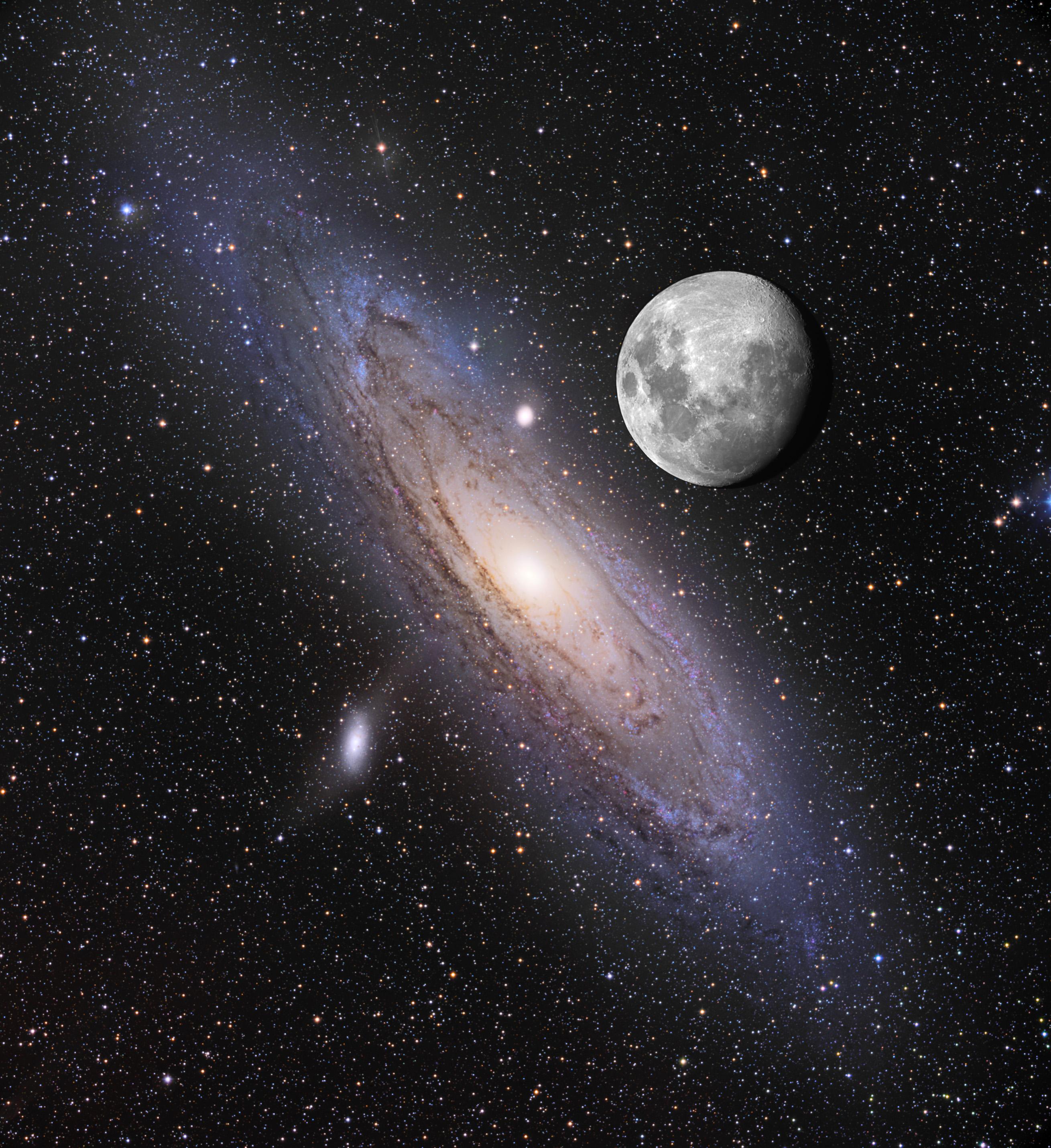 Galaktyka Andromedy w porównaniu z księżycem.