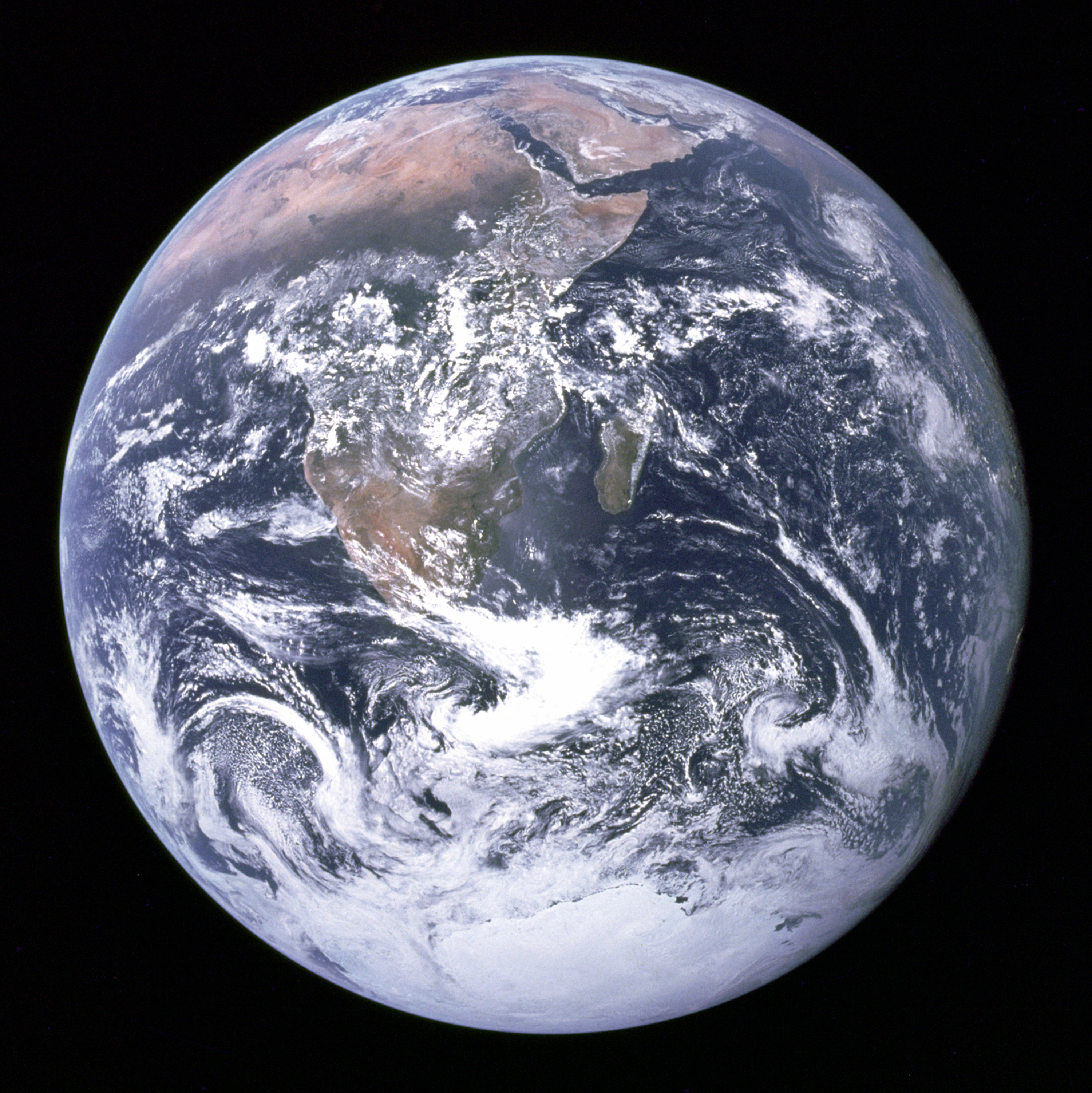 APOD: 2007 March 25 - Welcome to Planet Earth