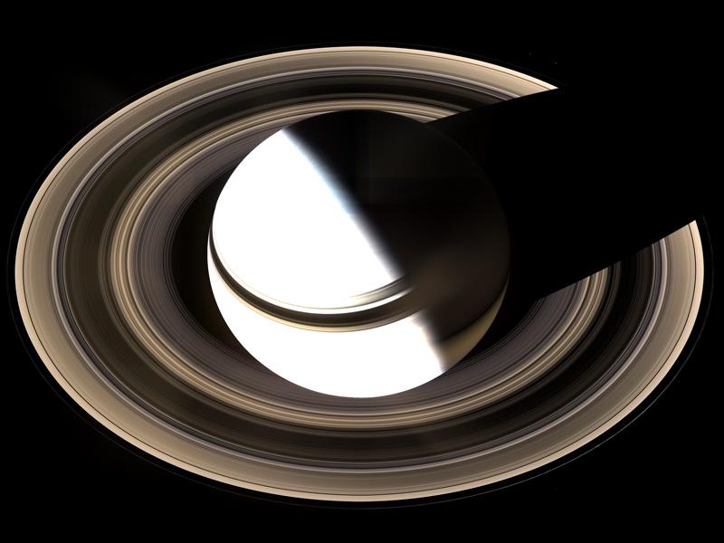 Saturno desde Arriba