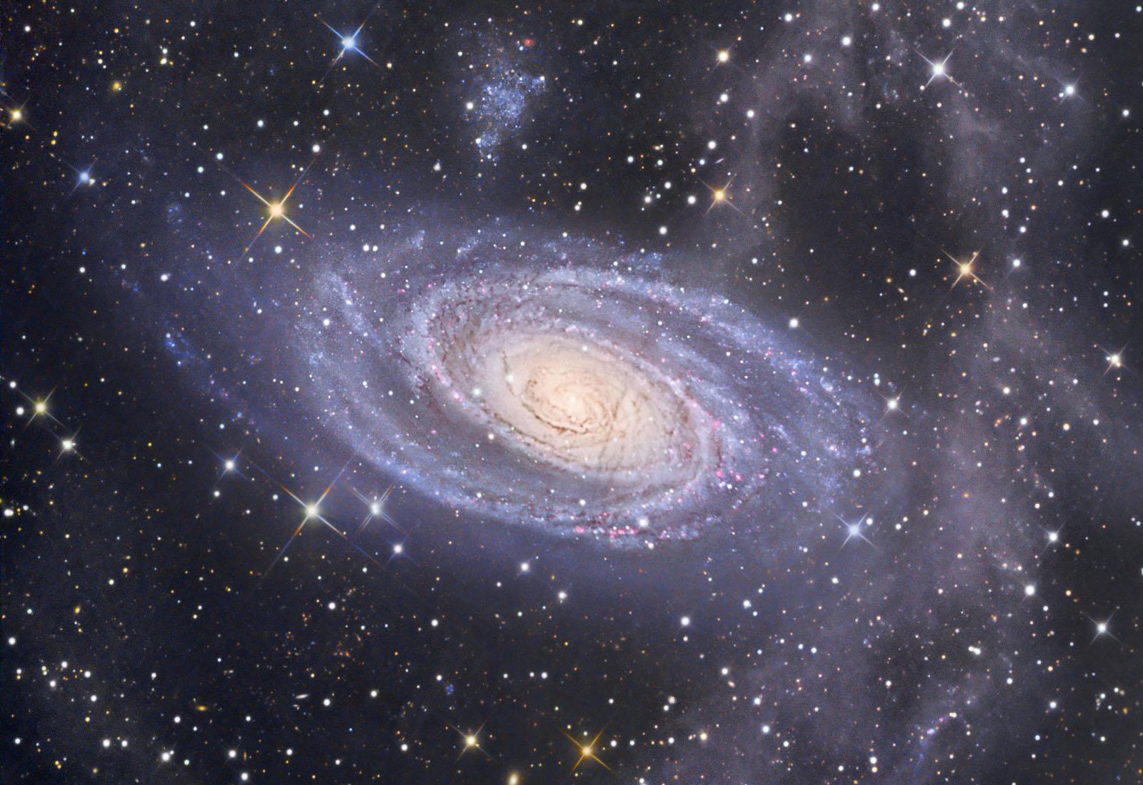 Apod 2007 april 27 m81 in ursa major for Foto galassie hd