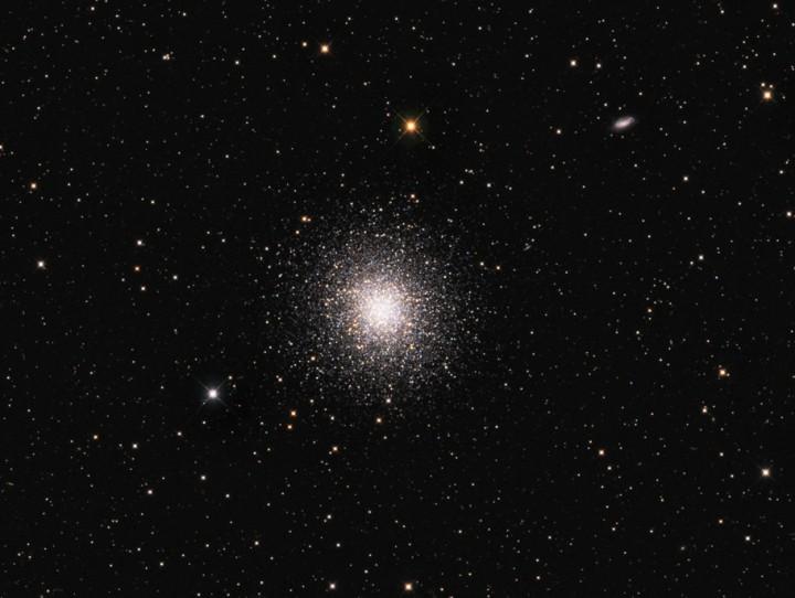 M13: Velká kulová hvězdokupa v Herkulu