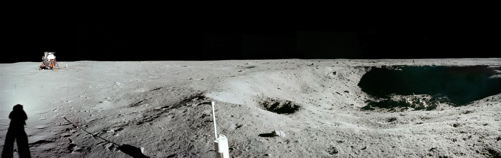 Apolo 11: Vista Panorámica del Cráter Este