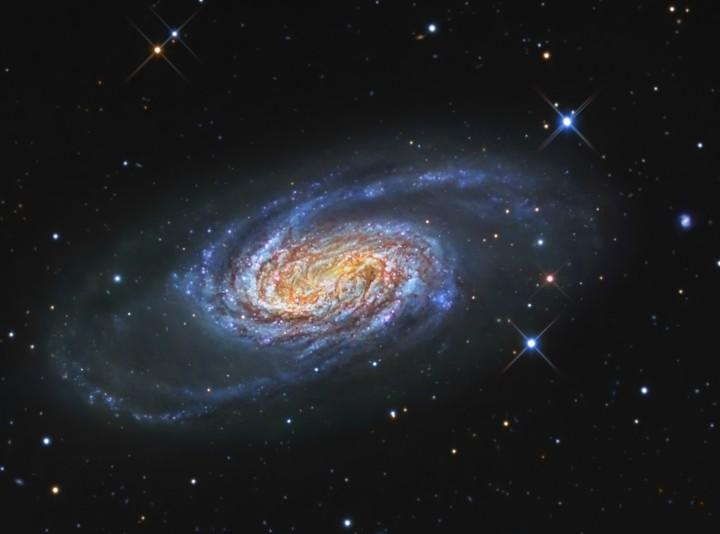 La brillante galaxia NGC 2903