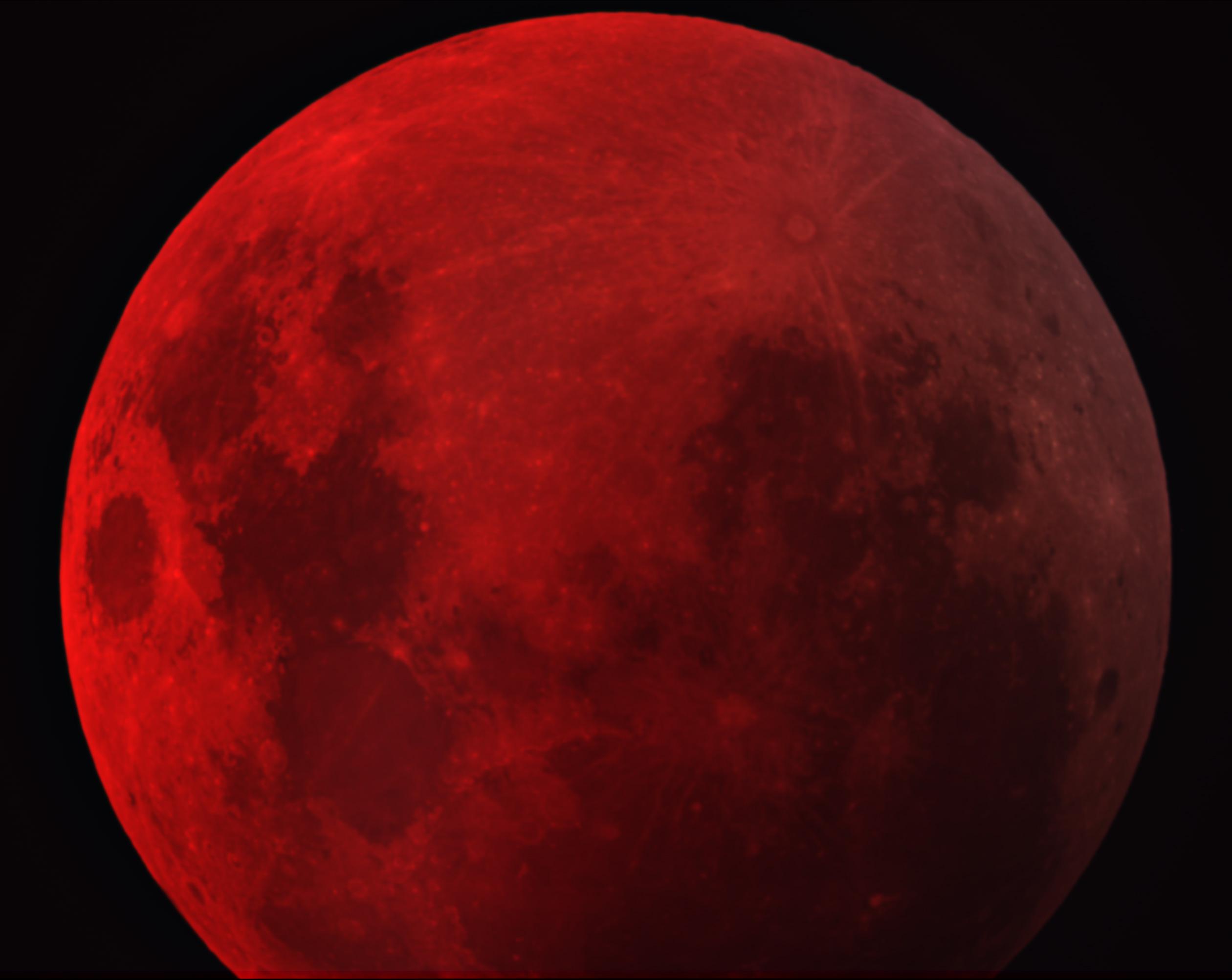 APOD: 2007 August 30 - Dark Lunar Eclipse