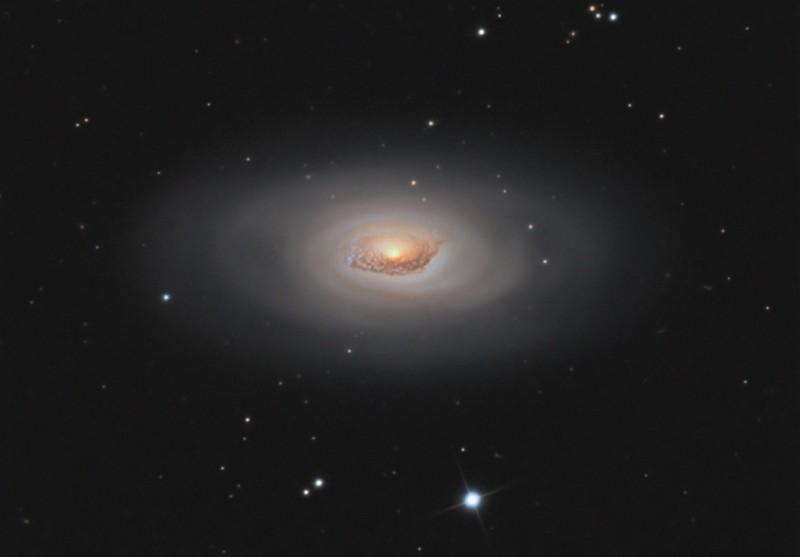 黒眼星雲M64(メシエ64)