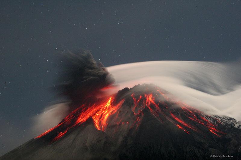 El Tungurahua entra en erupción