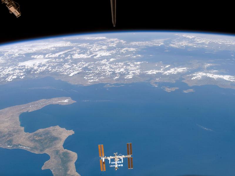 La Estación Espacial sobre el Mar Jónico