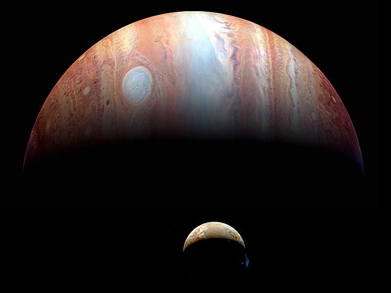 Un montaje de Júpiter e Io desde la New Horizons