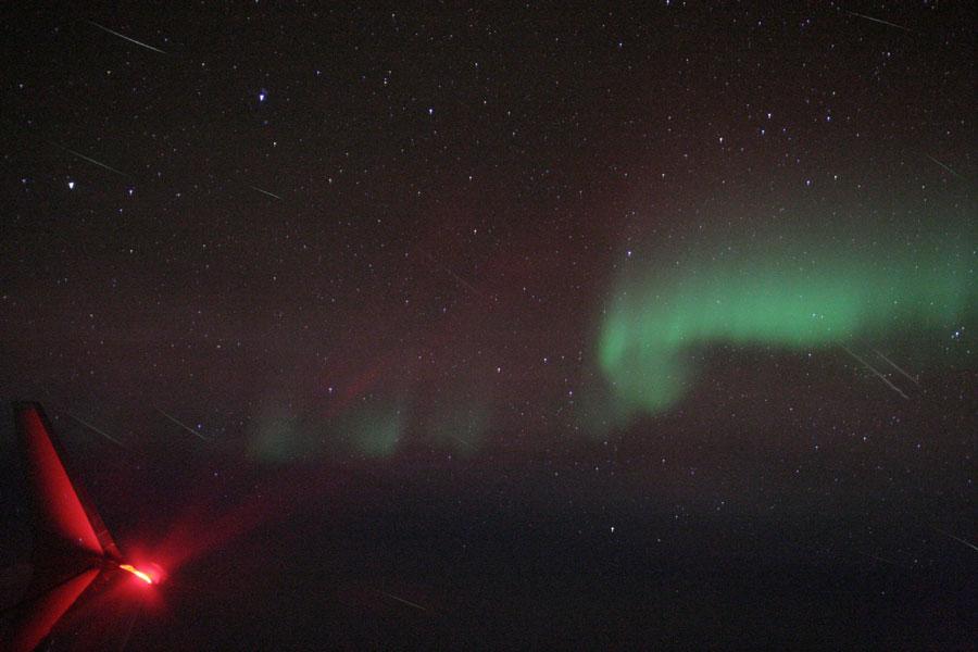 Los meteoros cuadrántidas y una aurora desde el aire