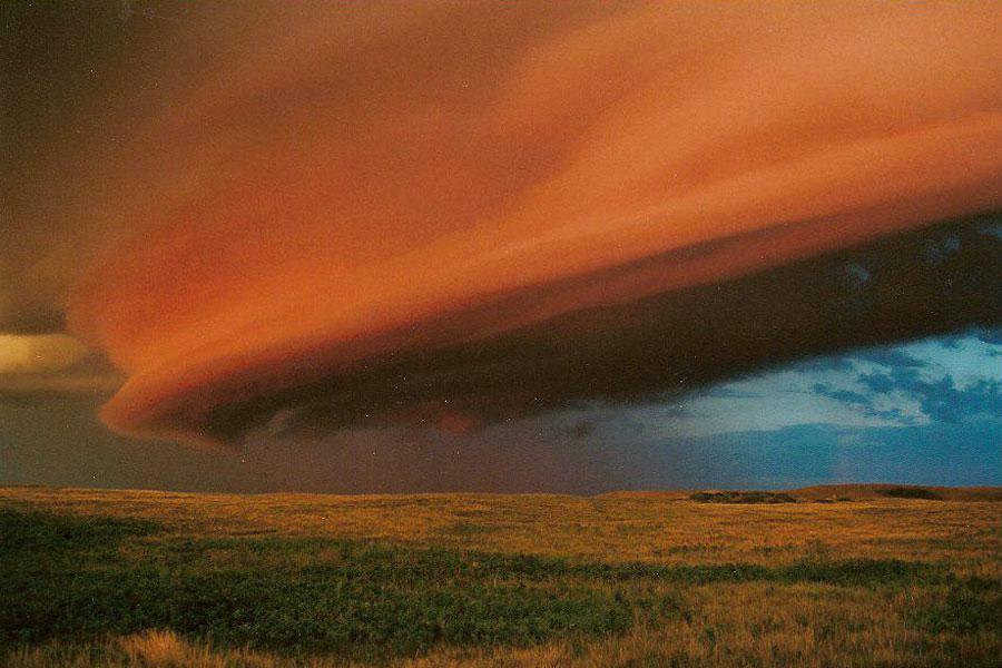 «Cumulonimbus arcus» sobre Saskatchewan