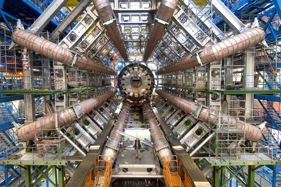 Amanecer del Large Hadron Collider