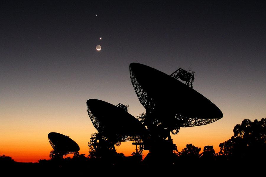 Planetas alineados sobre la Red de Radioelescopios Australiana