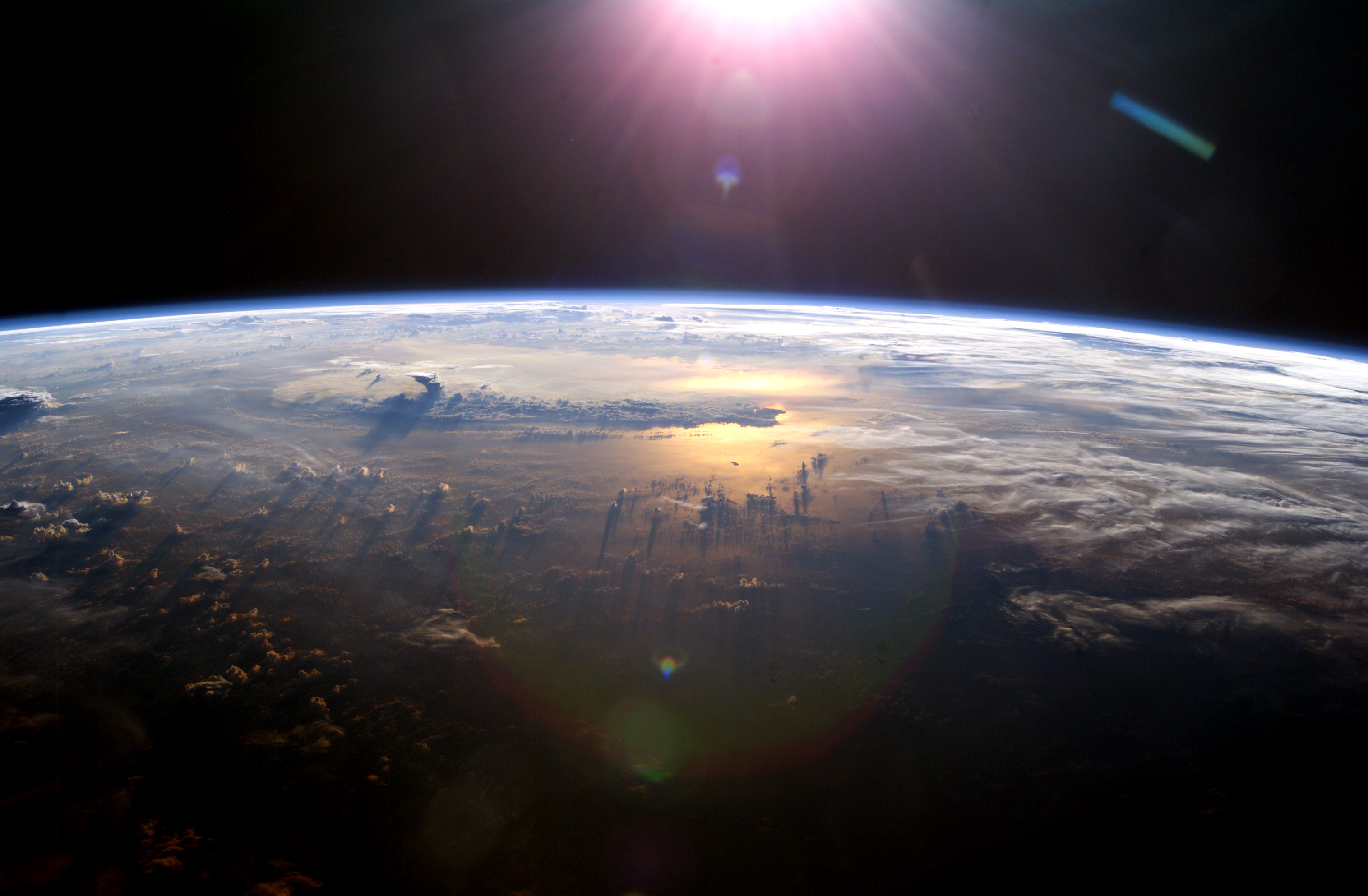 NASA posts amazing new 4K footage of Earth captured from ISS ...