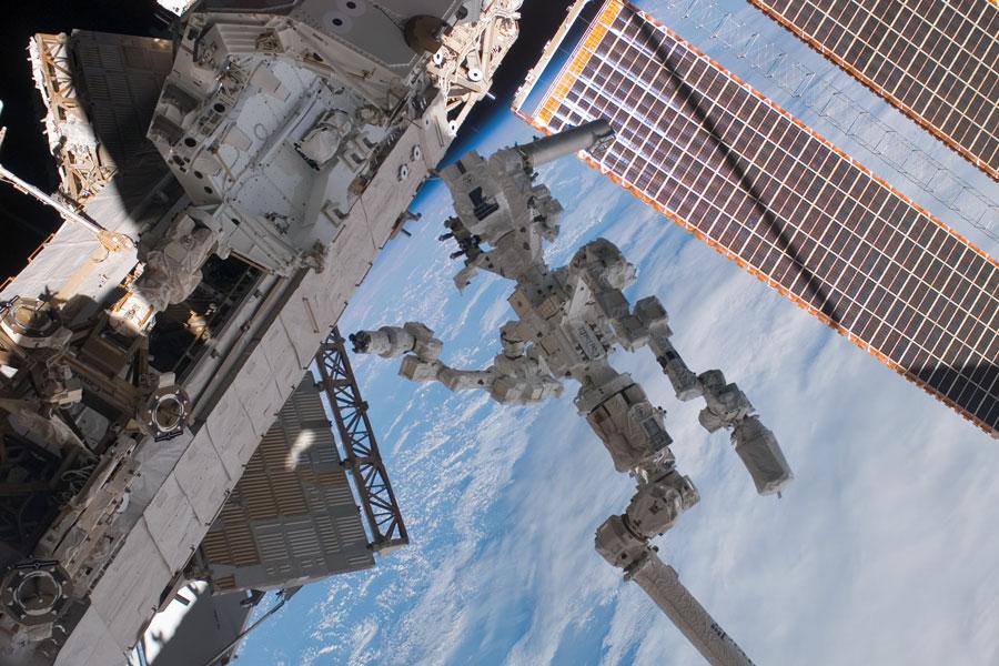 El nuevo robot de la estación espacial solicita el tratamiento de «Dextre el Magnífico»