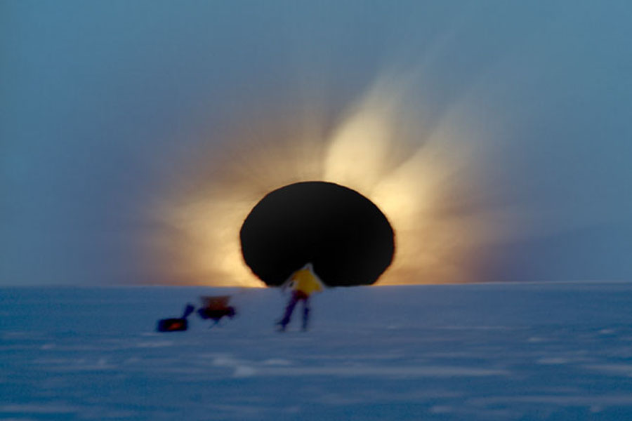 Un eclipse solar total en la Antártida