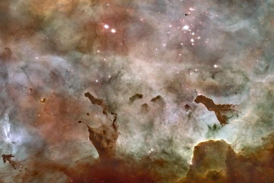 Nubes oscuras de la Nebulosa de Carina