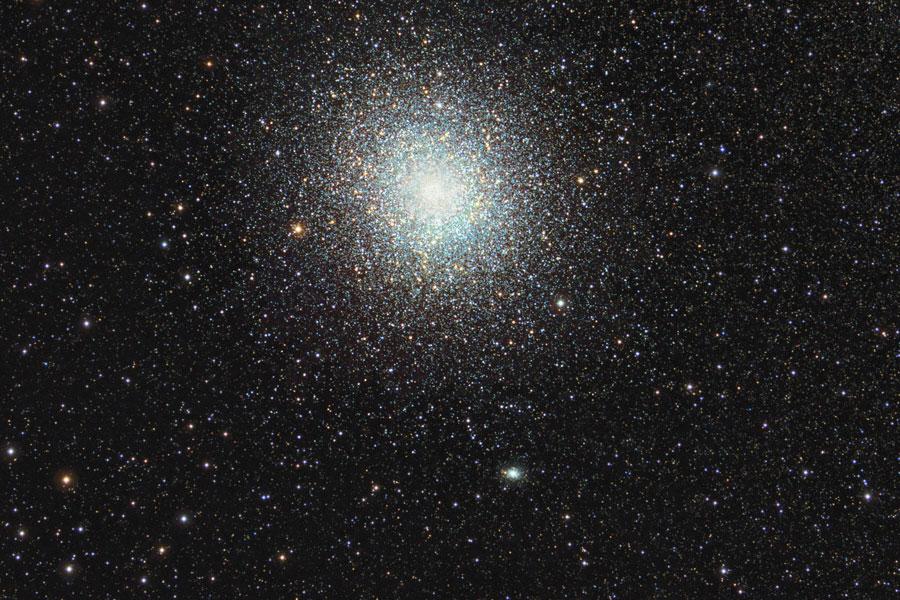 47 Tuc: Un Gran Cúmulo Globular de Estrellas