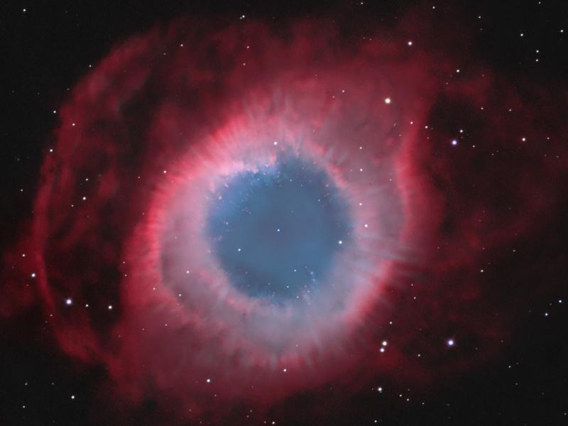 Radiales en la Nebulosa de la Hélice