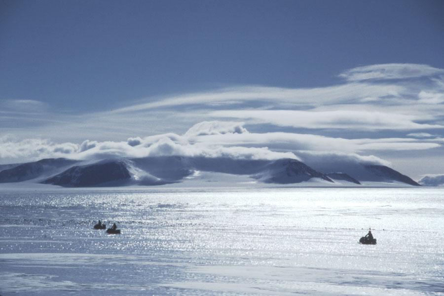 Buscando meteoritos en la Antártida