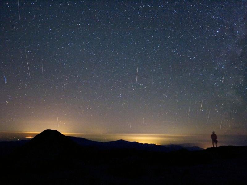 Meteoros en la Cima de una Montaña